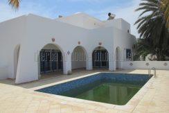 Belle maison décorée et  meublée en style  tunisien original  avec piscine  à louer à Djerba Midoun Tézdaine pour vos vacances
