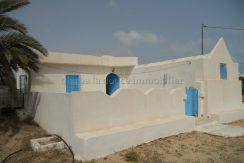 Petit Houch s+2 sans meuble à louer à Tezdaine Djerba Midoun proche la mer