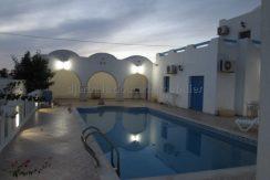 villa avec piscine vue de mer et lagune à vendre à Tezdaine Djerba
