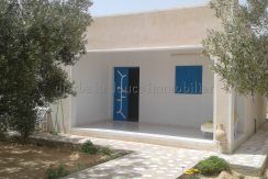 Maison Meublée Dans La Zone Touristique Djerba Aghir Proche La Mer Et Les Commerces – Djerba