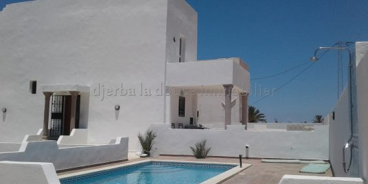 Maison meublée avec piscine vue de mer à sidi jmour Djerba Ajim