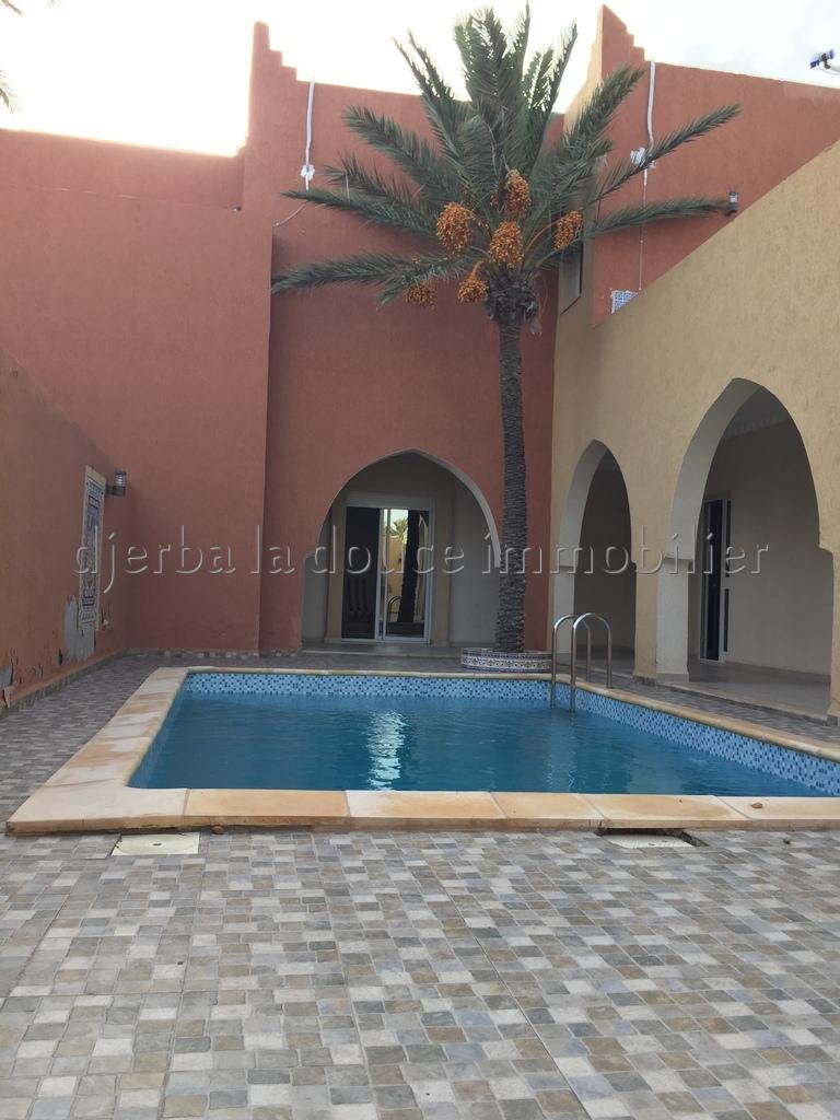 Charmante Villa haute standing avec piscine de style marocain à louer à Djerba Midoun route du phare