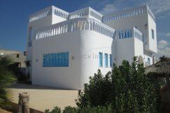 une spacieuse maison meublée à louer à l'année à Hessi jerbi Zarzis proche la mer