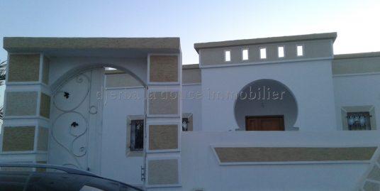 petite Maison avec titre bleu à vendre à Djerba Midoun en zone Urbaine proche centre ville