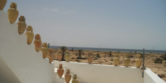 Jolie maison style traditionnel vue de mer à vendre à Djerba à Sheikh Yahia Ajim