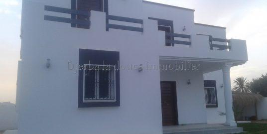 Maison neuve à vendre à Djerba Midoun tézdaine proche de la mer