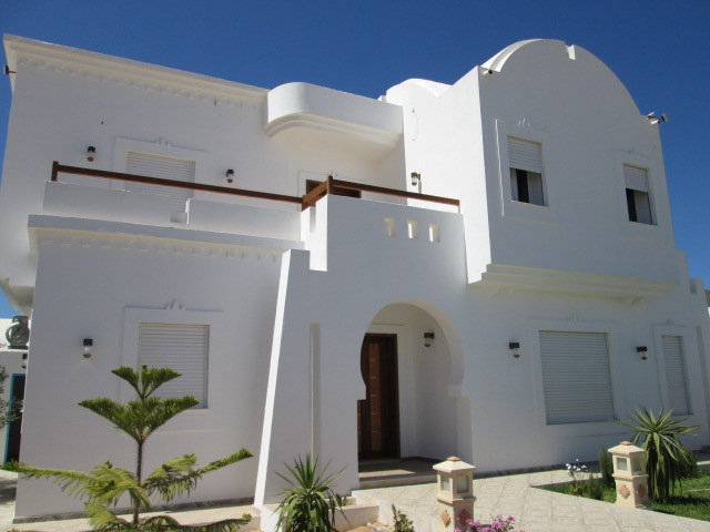 Une belle maison récente meublée en haute standing avec piscine à louer à l'année à Djerba Midoun