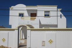 Villa à louer sans meuble à Tézdaine Djerba Midoun