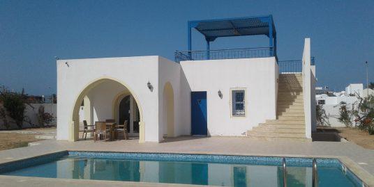 Maison neuve avec piscine à louer pour les vacances et à l'année à la zone touristique Djerba Midoun