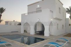 Récente maison haute standing avec piscine à louer à Djerba Midoun