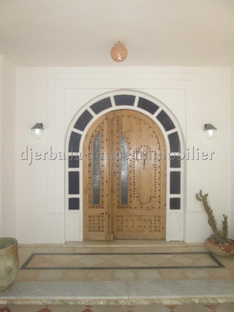 une spacieuse maison meublée à louer à Houmt souk Djerba