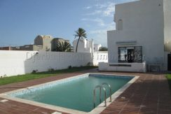 Maison meublée avec piscine à louer pour vos vacances ou à l'année à Djerba Midoun  Tézdaine