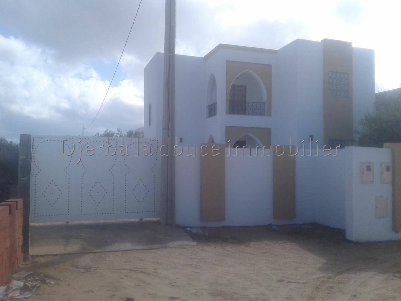 Une charmante villa  neuve Titré a vendre  à route du phare_Djerba