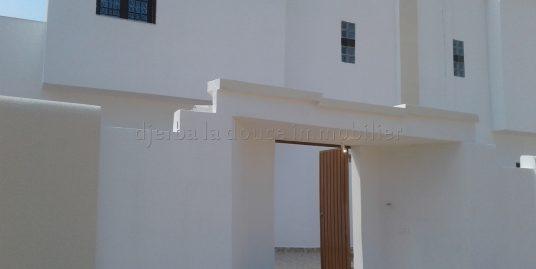 belle villa s+3  sans meuble a temlel_Djerba