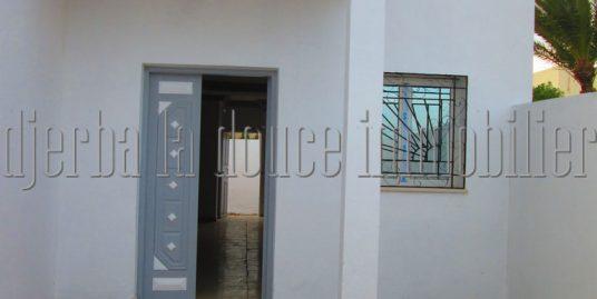 Une maison en zone urbaine à vendre à Djerba  Midoun