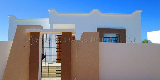 belle villa s+3 toute neuve  en ZU à houmt souk – Djerba