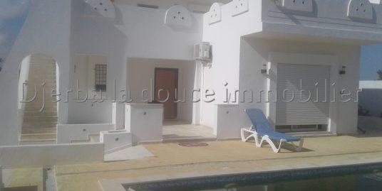 magnifique villa avec piscine a vendre meublé à temlel Djerba