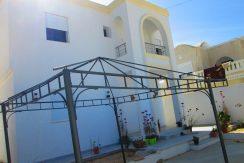 spacieuse villa sans meuble au route aghir Djerba