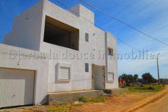 spacieuse villa s+5 a vendre à  Arkou Djerba