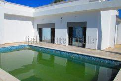 Spacieuse villa de luxe avec piscine en forme L proche mer et lagune à tezdaine