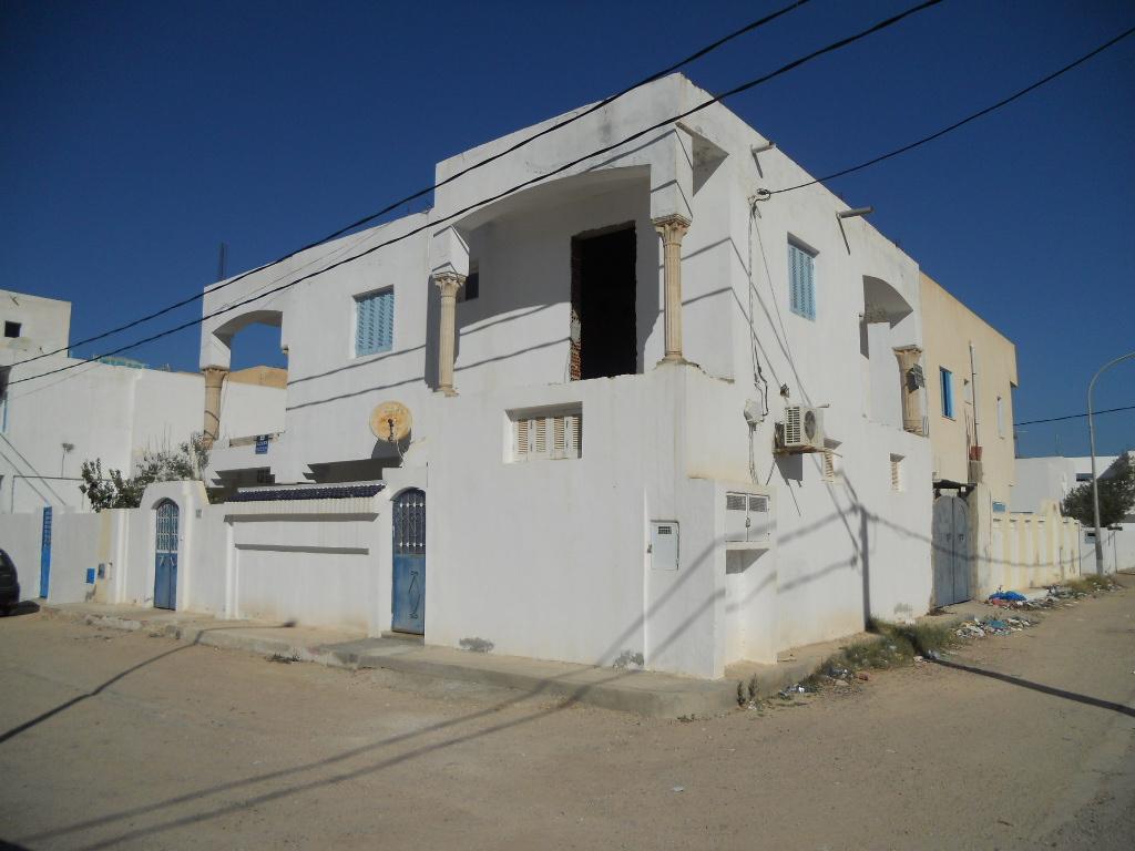 Prix choc !! 4 appartements à vendre ou à échanger proche la zone touristique de Midoun