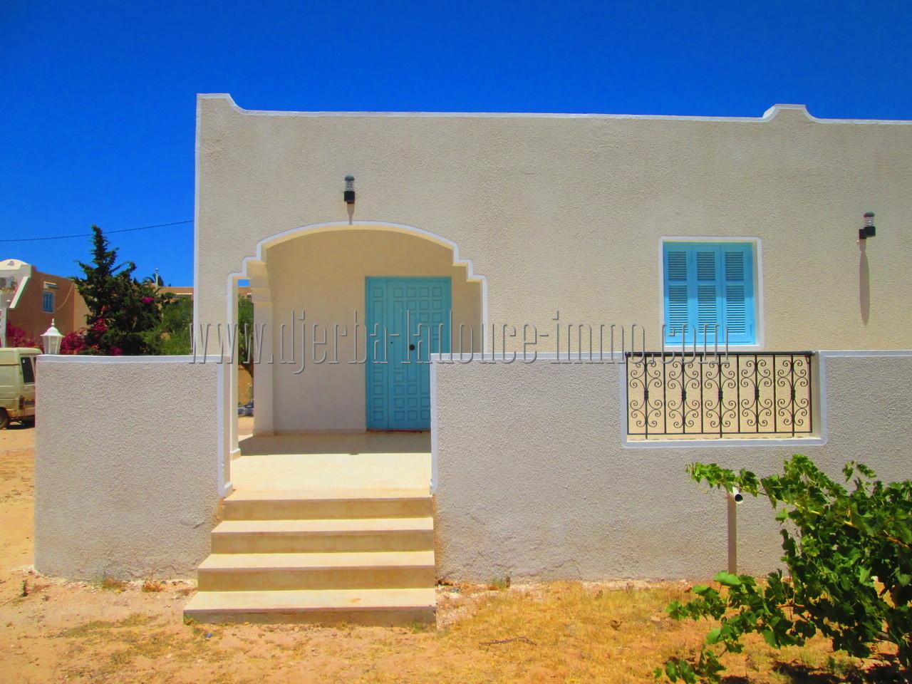 Villa meublée à louer à l'année route du phare Djerba Midoun