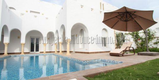 Villas avec piscine et appartements  à louer meublés dans un village bord de mer pour vos vacances à Djerba Midoun