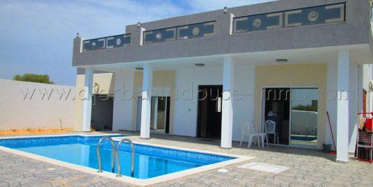 Maison coquette meublé avec piscine à louer pour vos vacances ou à l'année à Tezdaine