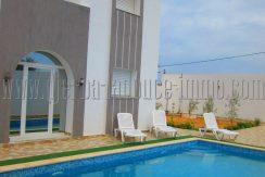 Villa récente avec piscine à louer meublée à l'année à Djerba Midoun route Aghir