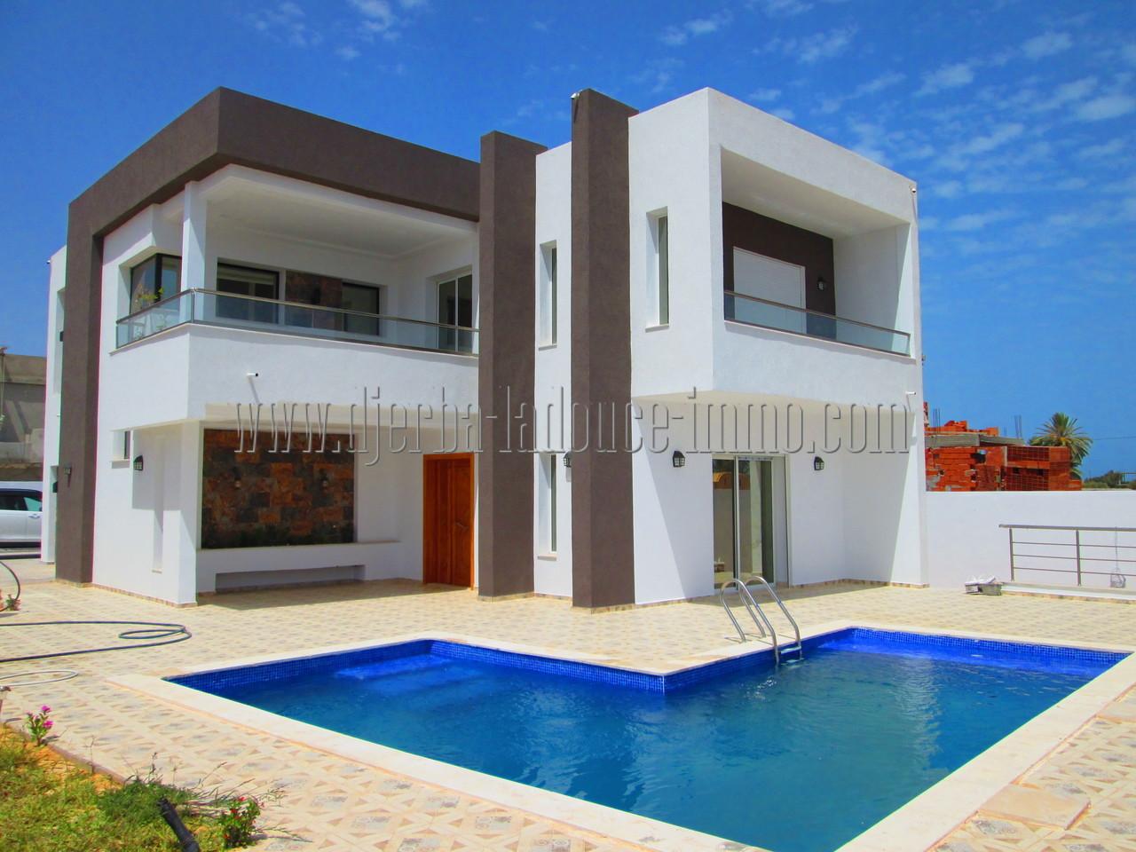 Villa neuve titrée  Haute standing avec piscine  à  vendre à Djerba Midoun Tézdaine