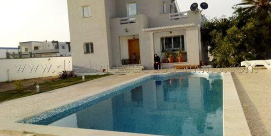 Charmante villa meublée, avec piscine à louer à l'année à Tézdaine Djerba Midoun – Djerba