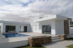 Villa Coquette toute neuve en forme L avec piscine à vendre à Djerba Midoun Route du Phare