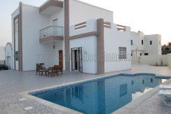Charmante villa récente meublée , avec piscine et garage à louer à l'année à Tézdaine Djerba Midoun
