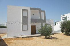 Villa récemment construite avec piscine à vendre à Tezdaine Djerba midoune – Djerba