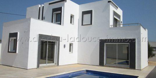 Villa avec piscine à vendre à Djerba Tezdaine – Djerba