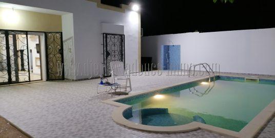 Villa meublée et avec piscine  à louer pour vos vacances ou à l'année à Djerba Midoun Rte du phare