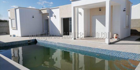 2 villas titrés récemment construites en style résidence à Djerba Midoun proche Géant