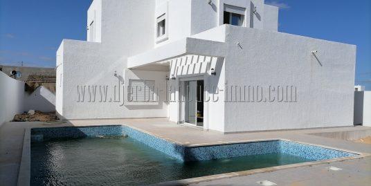 Maison neuve titrée  avec piscine à vendre à Djerba Midoun proche  Géant