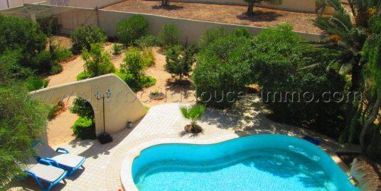 Villa spacieuse à étage à vendre à Djerba Houmt souk