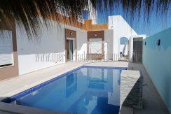Villa neuve titrée avec piscine à vendre à Djerba Midoun proche Géant (Bourgo Mall) et mosquée Fadhloune