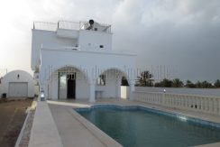 Jolie villa meublée avec piscine vue mer à louer proche le phare à Djerba Midoun