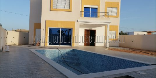 Villa avec piscine à vendre à Tezdaine – Djerba – Midoun