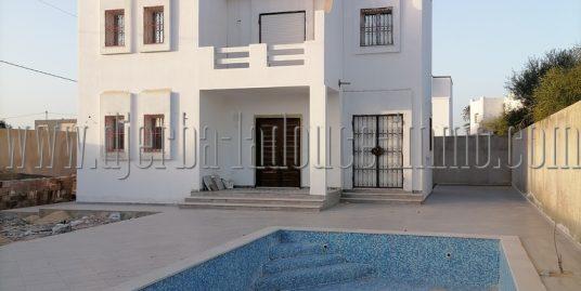 Villa neuve avec piscine à vendre à Djerba Midoun Tezdaine