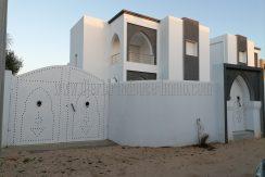 Charmante villa  neuve en zone urbaine , titrée à vendre à Djerba – Midoun