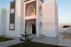 Villa neuve en zone urbaine , titrée à vendre à Djerba – Midoun