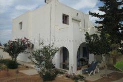 Maison meublée à étage à  louer à l'année à Djerba Tézdaine vue mer et lagune panoramique