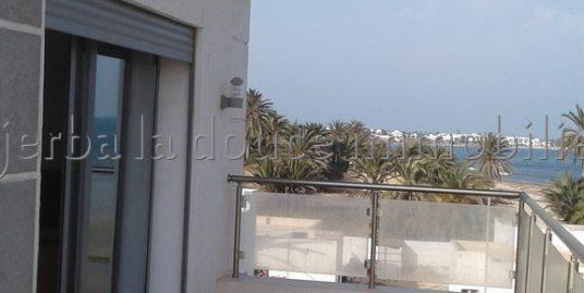 Une très jolie villa haute standing avec piscine pied dans l'eau à vendre à Djerba Midoun