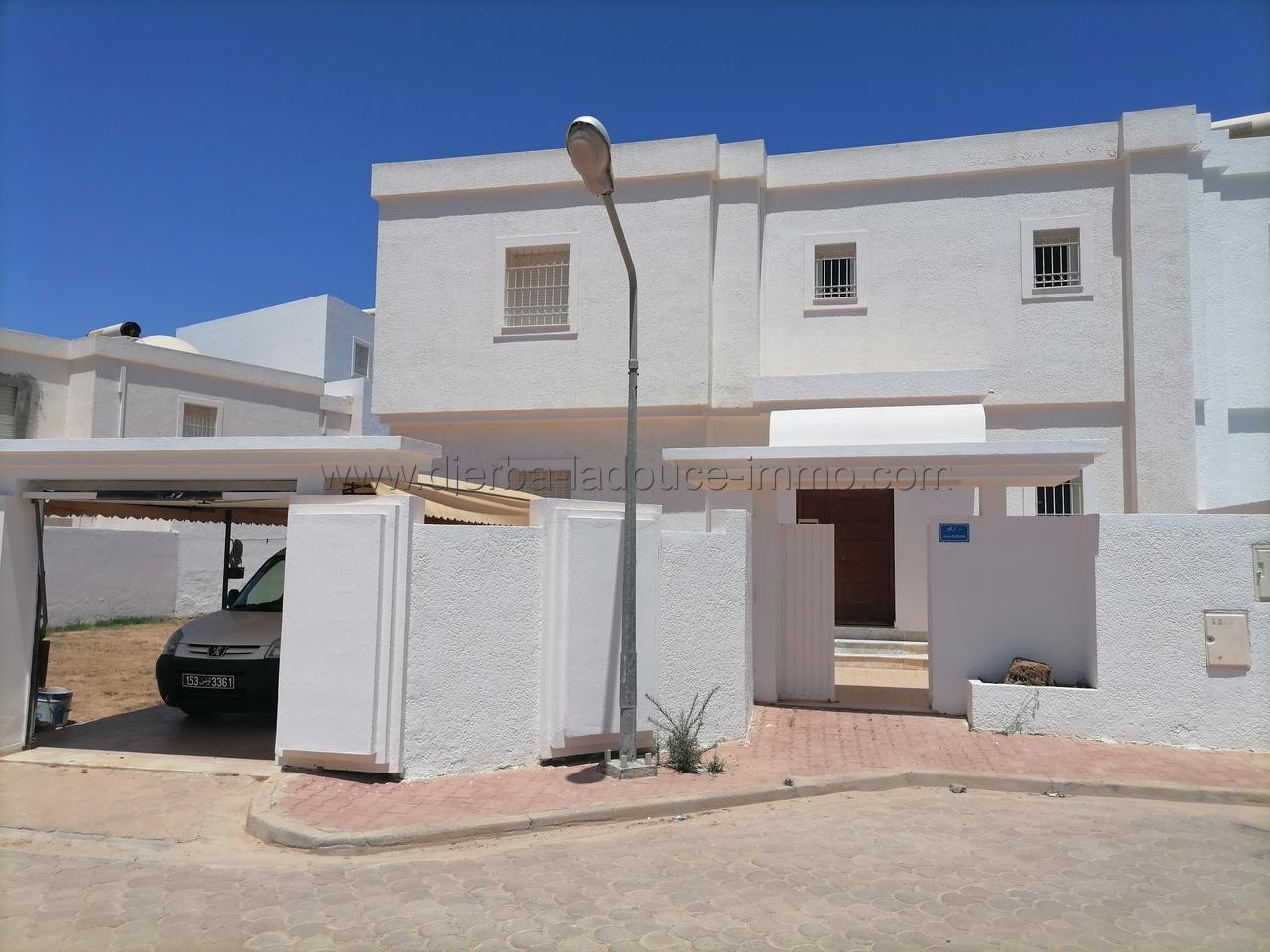 Villa meublée à louer à l'année ou pour les vacances à Djerba Midoun