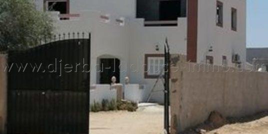 villa récemment construite à Vendre à Arkou-Midoun