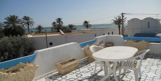 Jolie appartement bord de mer à louer  meublé à l'année  Djerba Midoun